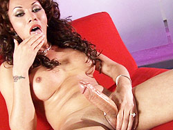 Mia isabella s diamond Mia Isabella Playing With Her Enormous cock.